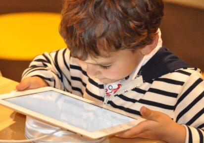 Wpływ technologii cyfrowych na rozwój i ogólne funkcjonowanie dzieci i młodzieży – 10.12.2020