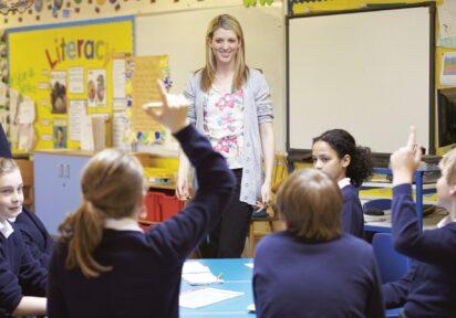 Jak rozmawiać z uczniem? Modele komunikacji w pracy z dziećmi i młodzieżą – 08.12.2020